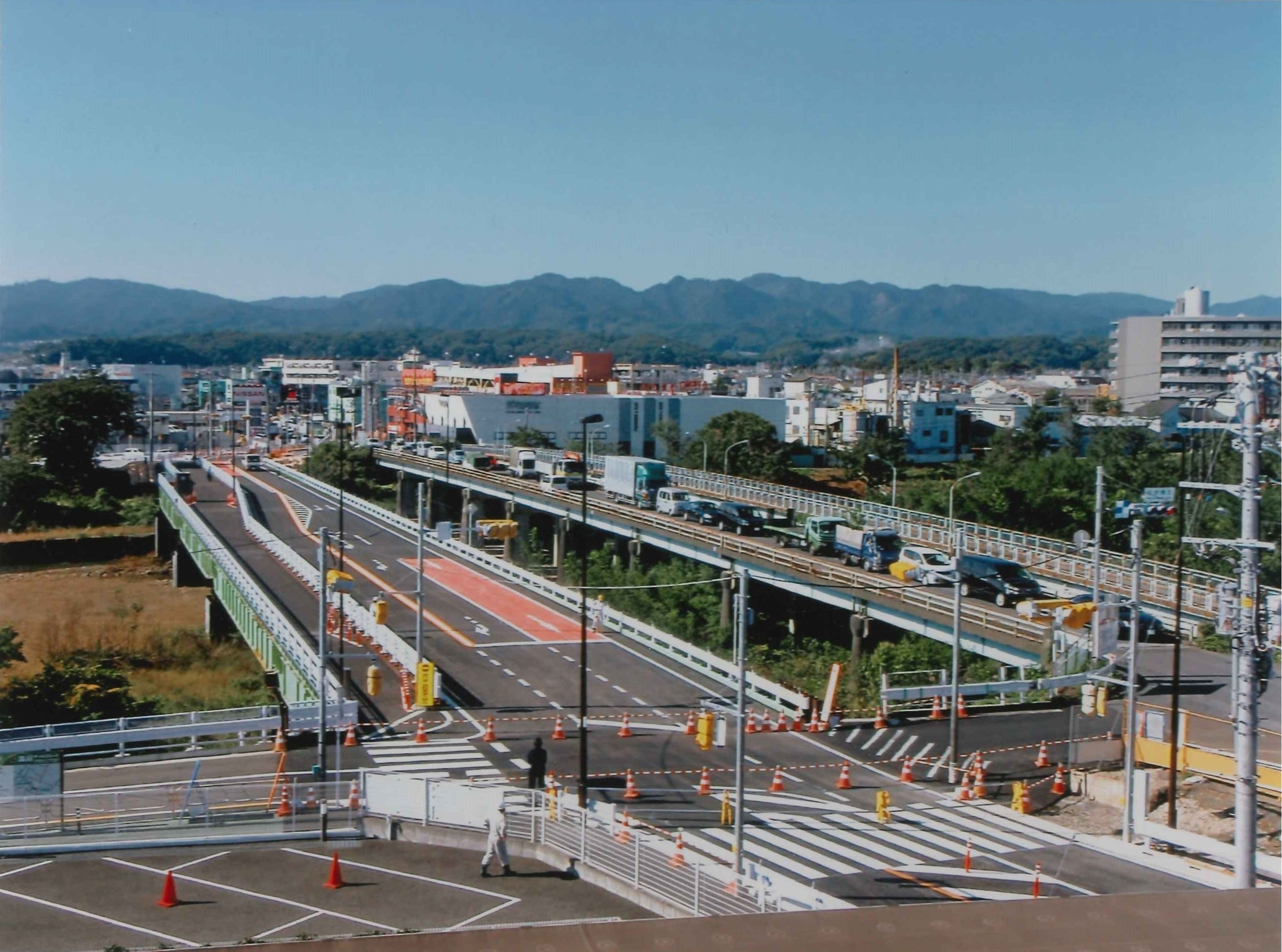松枝橋整備工事に伴う切廻し道路工事